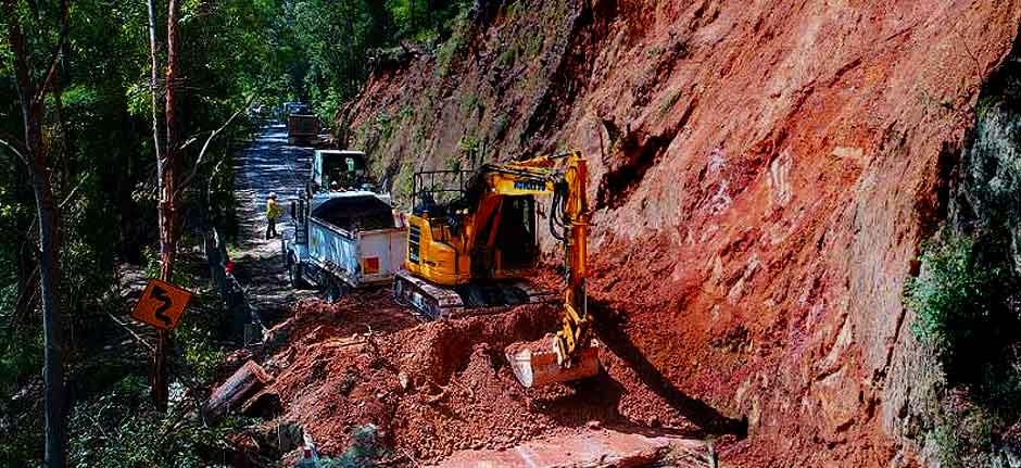 Landslides close Oxley Highway between Walcha & Yarras