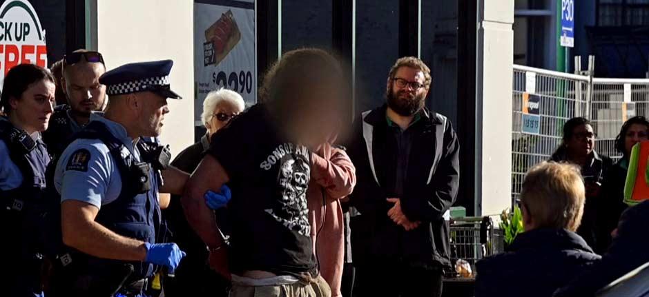 'nothing short of heroic' public intervene in Dunedin attack