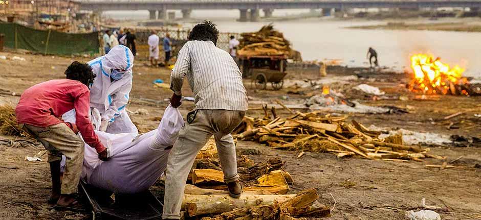 Indian strain of 'global concern' bodies on banks of Ganges